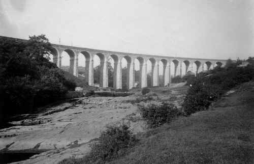 CefnViaduct_LeoDaviesCollection.JPG (163620 bytes)