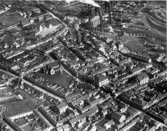 Dowlais_AerialView_Overview_VivBayliss.JPG (677860 bytes)