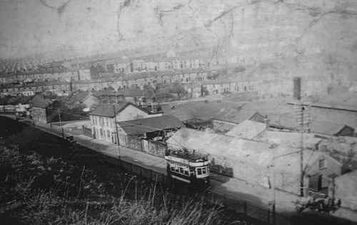 Dowlais_NewRoad_WithTramcar.jpg (278589 bytes)