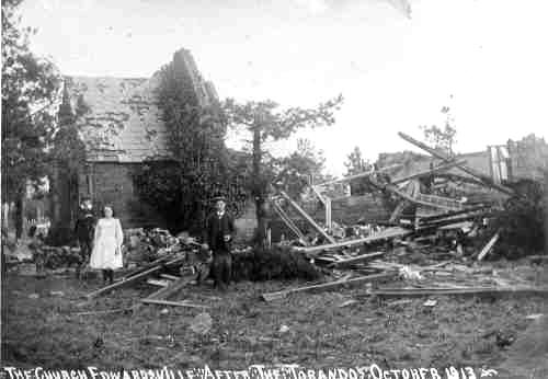 Edwardsville_TheChurch_AfterTheTornado_1913.JPG (109234 bytes)
