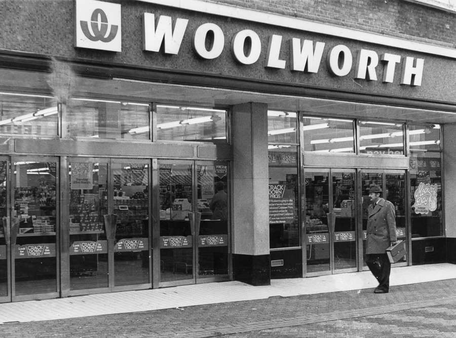 woolworths ltd doing the right thing Number of women on asx 200 company boards soaring, report shows woolworths ltd - 50 per cent amp limited - 50 per cent mirvac limited this isn't simply a good thing to do, it's the right thing to do for their business.